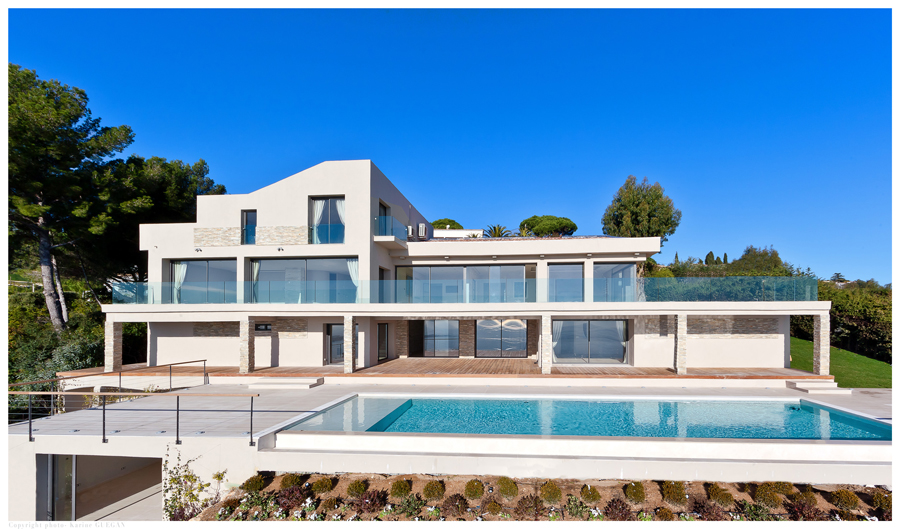 Villa contemporaine pour production photographique a nice rep rages organisation shooting photo Maison moderne cotedazur