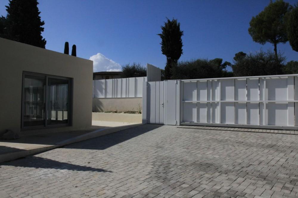 comment trouver une maison contemporaine pour un tournage à cannes