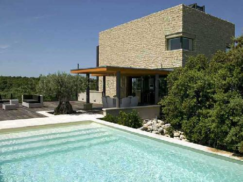 MODERN VILLA FOR PHOTO AND MOVIE PRODUCTION IN LUBERON