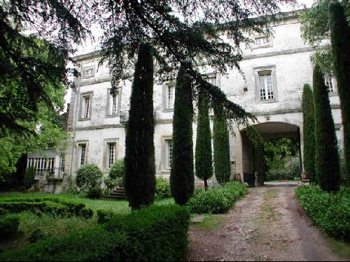 CHATEAU EN LOCATION POUR PRODUCTION PHOTOS DANS LE 13