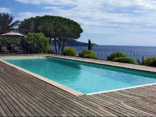 pool for photographic productions in saint tropez