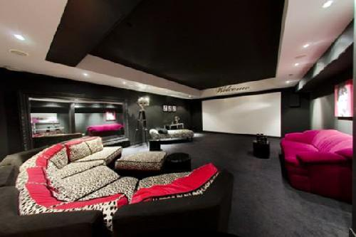 cinema room in a house for rent in cannes