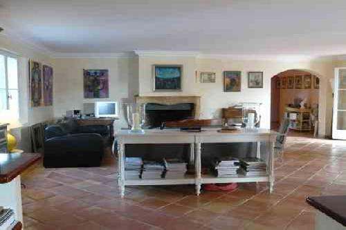 CLASSIC HOUSE FOR PHOTOS MOVIES PRODUCTION IN SOUTHERN FRANCE